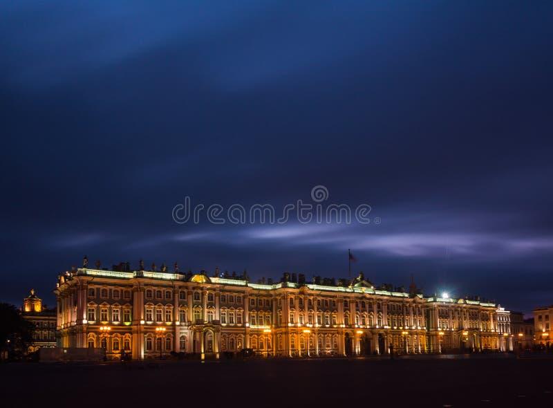 Quadrado do palácio, St Petersburg, Rússia imagem de stock royalty free