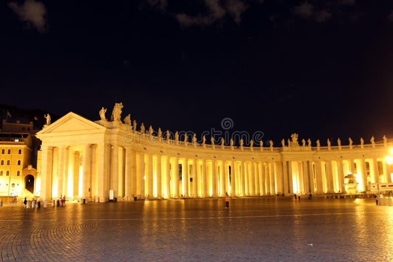 Quadrado do St Peter na noite imagem de stock royalty free