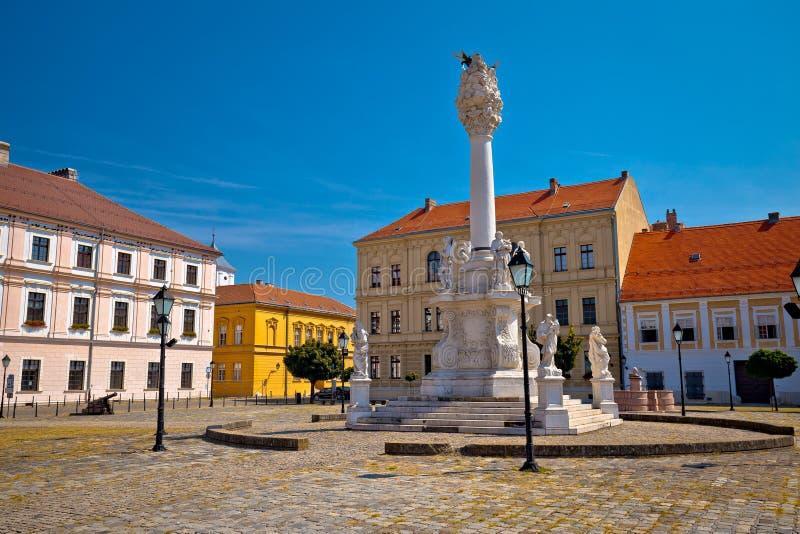 Quadrado do trinity santamente na cidade histórica de Tvrdja de Osijek imagem de stock royalty free