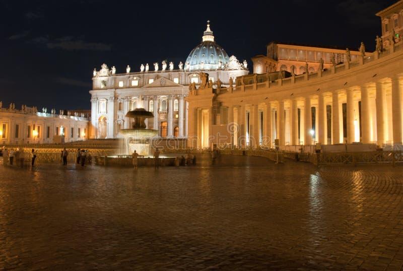 Quadrado do Vaticano na noite foto de stock