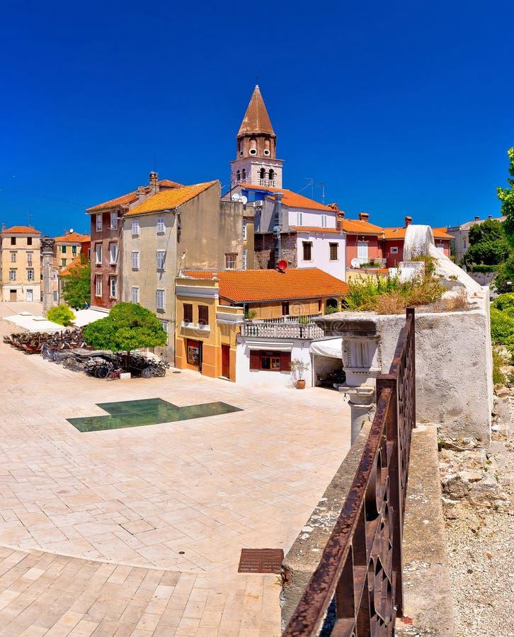 Quadrado dos poços de Zadar cinco e vista panorâmica histórica da arquitetura foto de stock