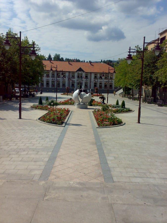 Quadrado em Arandjelovac, Sérvia fotos de stock royalty free