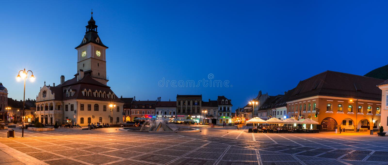 Quadrado em Brasov, Romania do Conselho fotos de stock