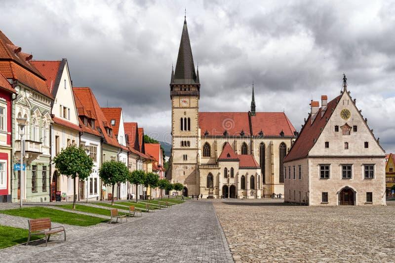 Quadrado histórico na cidade Bardejov do Unesco, Eslováquia fotografia de stock