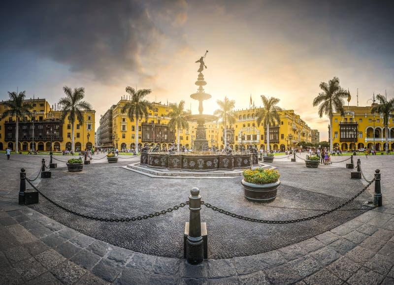 QUADRADO PRINCIPAL DA FONTE DE LIMA foto de stock royalty free