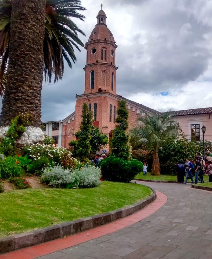 Quadrado principal de Otavalo, em Equador fotos de stock royalty free
