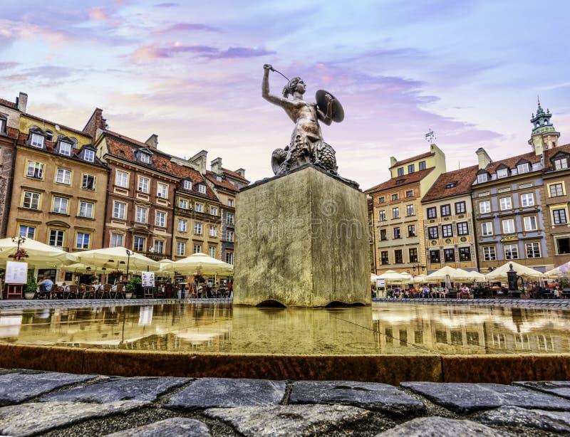 Quadrado principal do mercado de cidade velho de Varsóvia imagens de stock