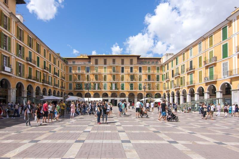 Quadrado principal do prefeito da plaza, Palma de Mallorca, Espanha fotografia de stock