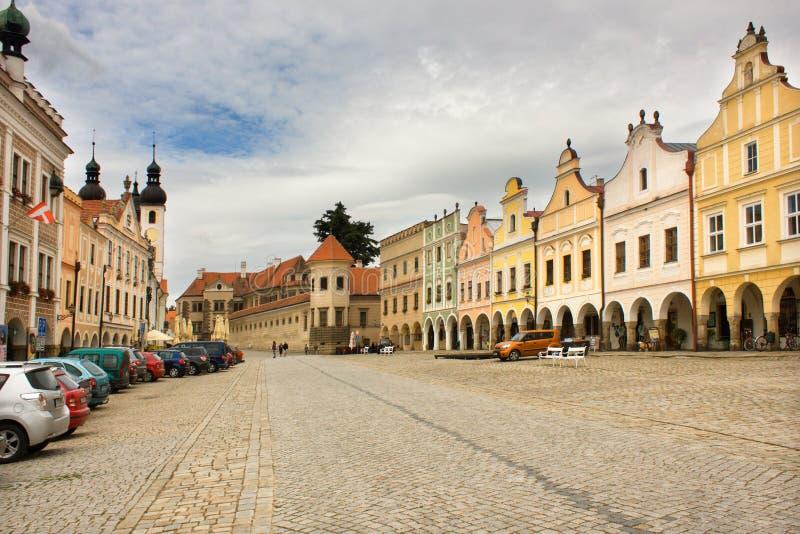 Quadrado principal na cidade medieval bonita de Telc, república checa fotos de stock