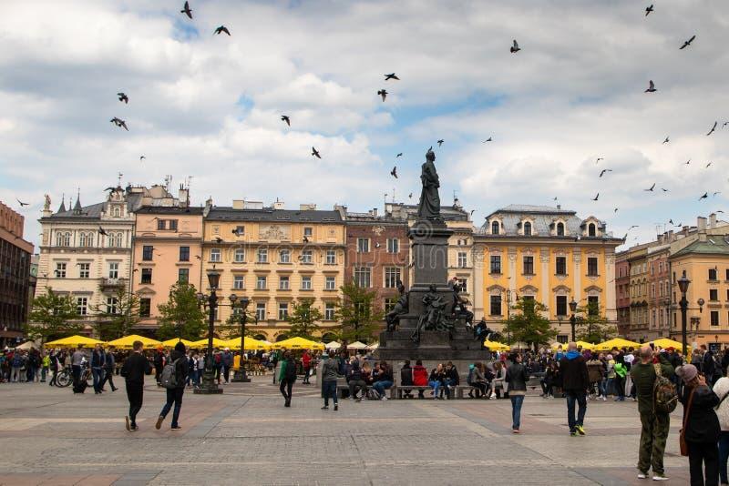 Quadrado principal Rynek Glowny na cidade velha de Krakow foto de stock royalty free