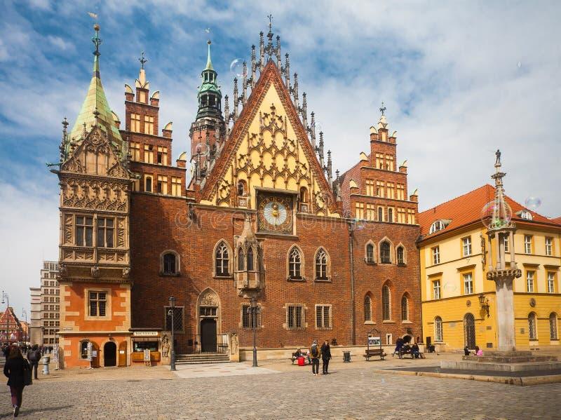 Quadrado velho da câmara municipal em Wroclaw, Polônia fotos de stock