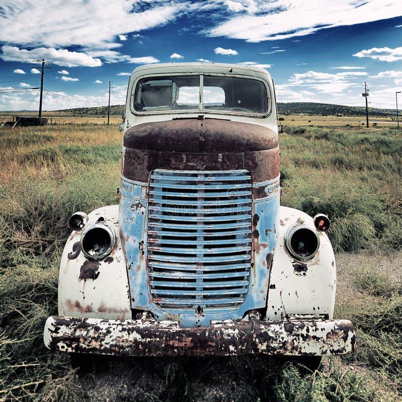 Quadrado velho do caminhão imagens de stock