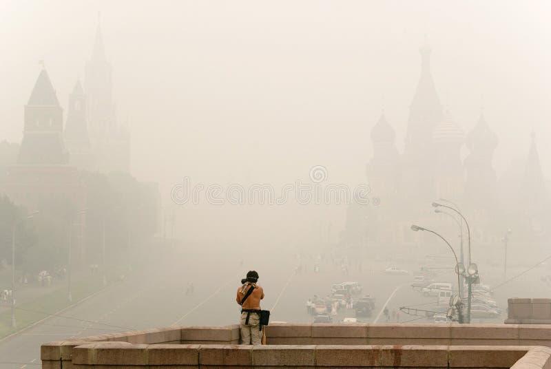 Quadrado vermelho em Moscovo sob a poluição atmosférica imagem de stock royalty free
