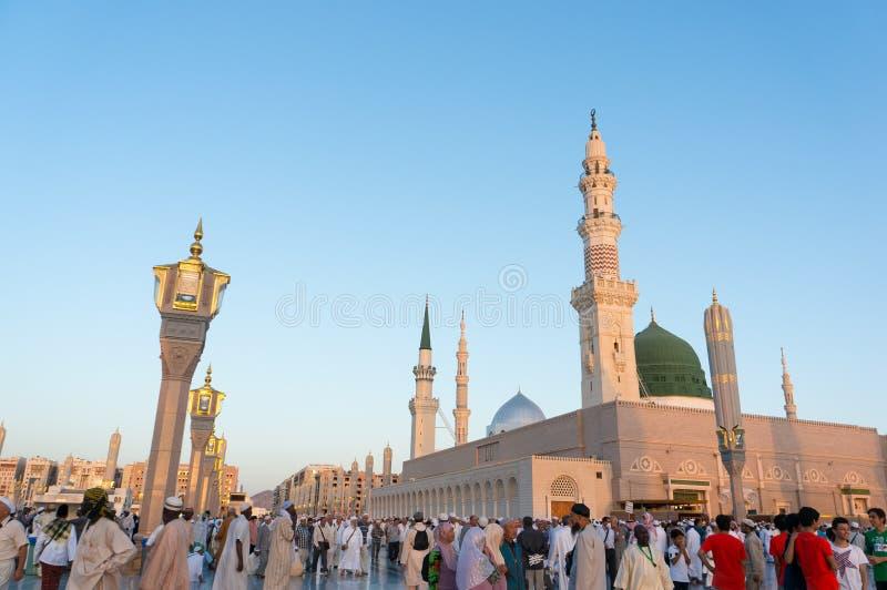Quadrados da mesquita de Nabawi em Arábia Saudita imagens de stock royalty free