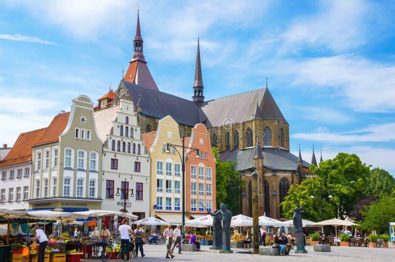 Quadrat des neuen Markts Rostock, Deutschland lizenzfreie stockfotografie