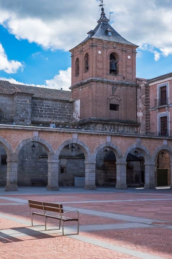 Quadrat Mercado Chico und die ` s Sans Juan Bautista Kirche stockbild