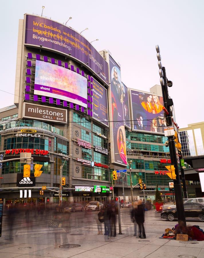 Quadrat Toronto Yonge und Dundas lizenzfreies stockbild
