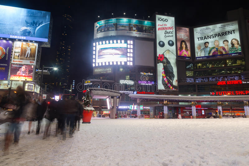 Quadrat Yonge und Dundas im Winter stockfoto