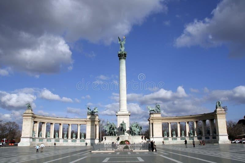 Quadrato degli eroi a Budapest immagine stock