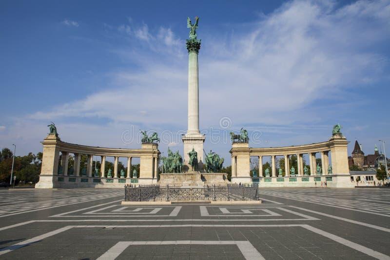 Quadrato degli eroi a Budapest fotografia stock libera da diritti