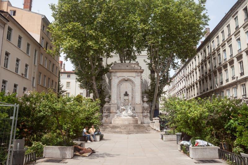 """Quadrato del gailleton del posto con il suoi monumento e fontana a vecchia Lione Vieux Lione, distretto del ile sul Presqu """" fotografia stock"""