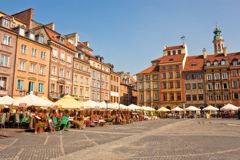 Quadrato del mercato nella vecchia città di Varsavia, Polonia fotografie stock libere da diritti