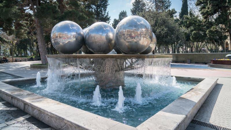 Quadrato della fontana a Bacu, Azerbaigian immagine stock libera da diritti