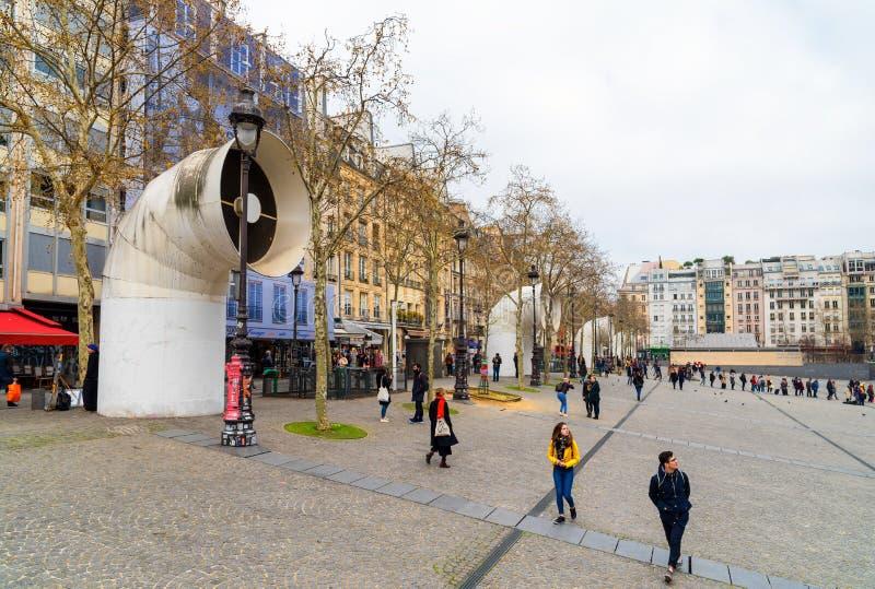 Quadrato di Beaubourg vicino a George Pompidou Center, Parigi Francia fotografia stock