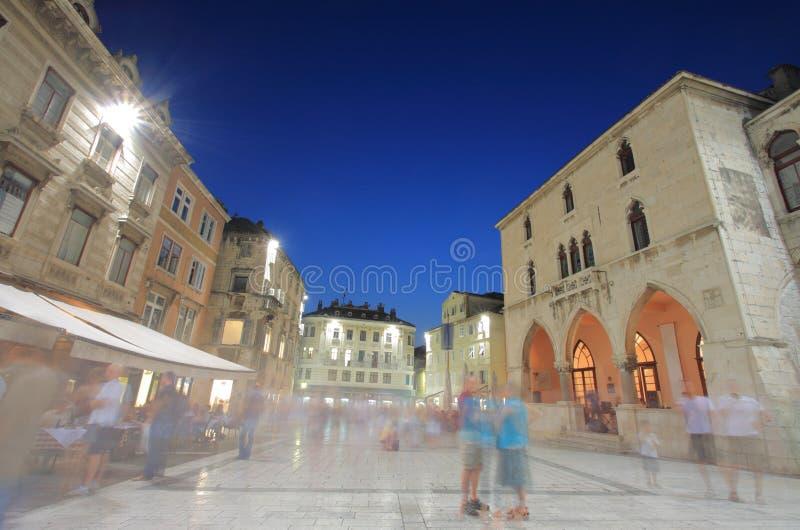 Quadrato di città spaccato, Croatia fotografia stock