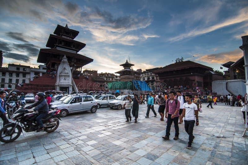 Quadrato di Durbar nella penombra dell'insieme del sole, Kathmandu, Nepal fotografia stock