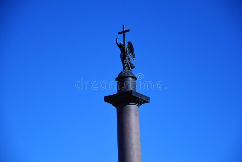 Quadrato di Dvortsovaya, colonna del ` s di Alexander Foto a colori fotografia stock