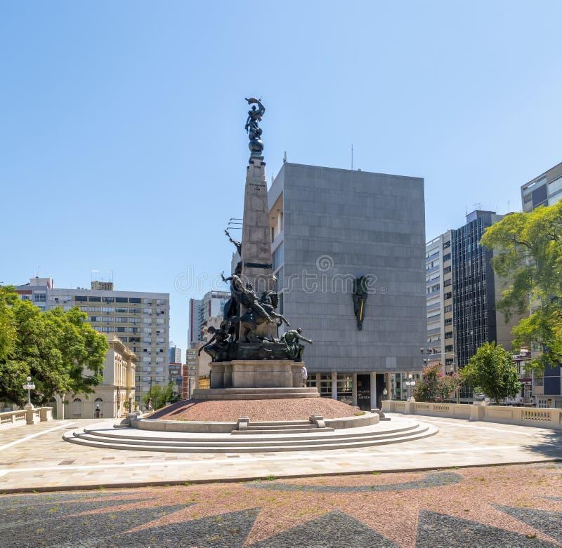 Quadrato di Marechal Deodoro, Julio de Castilhos Monument e giustizia Palace dentro in città - Porto Alegre, Rio Grande do Sul, B immagine stock