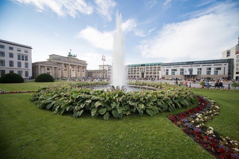 Quadrato di Parigi a Berlino immagine stock