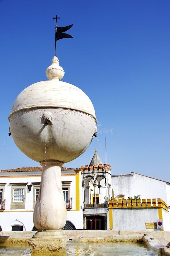 Quadrato di Portas de Moura, Evora immagine stock