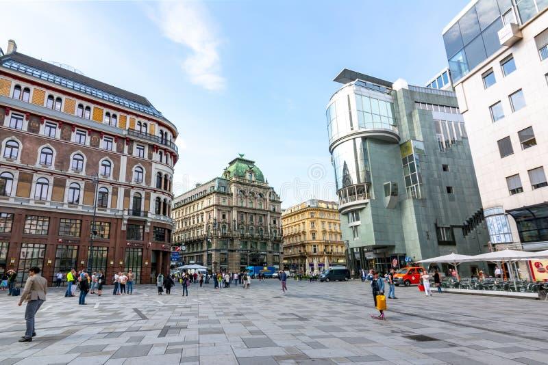 Quadrato di Stephansplatz e via di Graben nel centro di Vienna, Austria fotografie stock libere da diritti