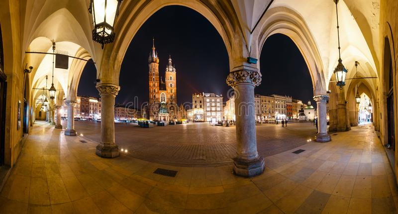 Quadrato principale del mercato a Cracovia Cracovia ? una di citt? pi? bella in Polonia immagini stock libere da diritti