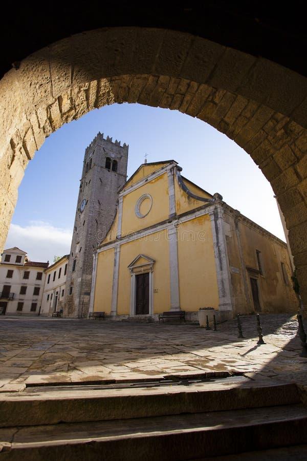 Quadrato principale in Motovun, Croazia fotografia stock