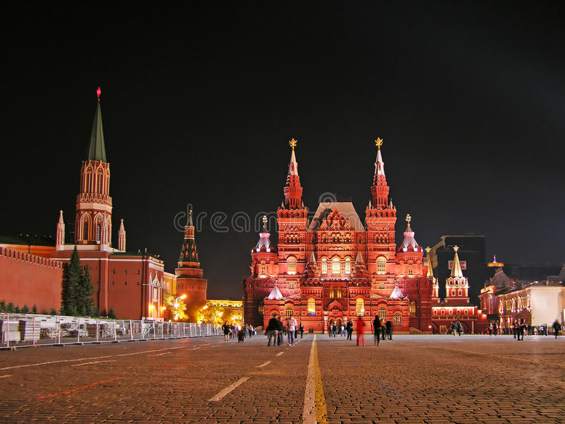 Quadrato rosso alla notte, Mosca fotografia stock libera da diritti