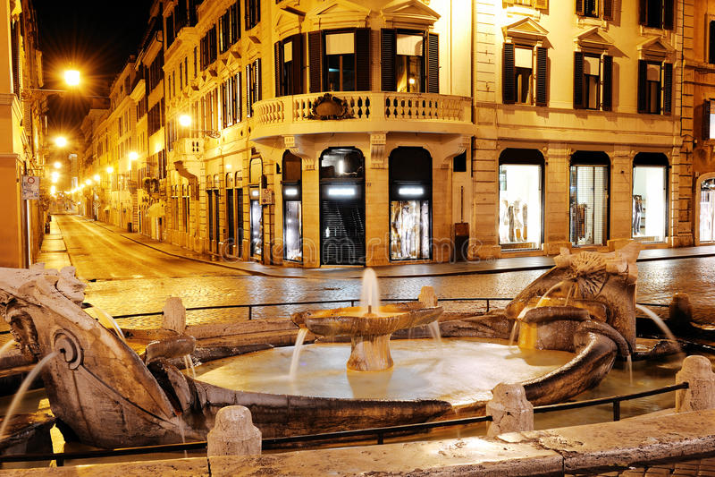 Quadrato spagnolo e via Condotti, Roma, Italia fotografia stock libera da diritti