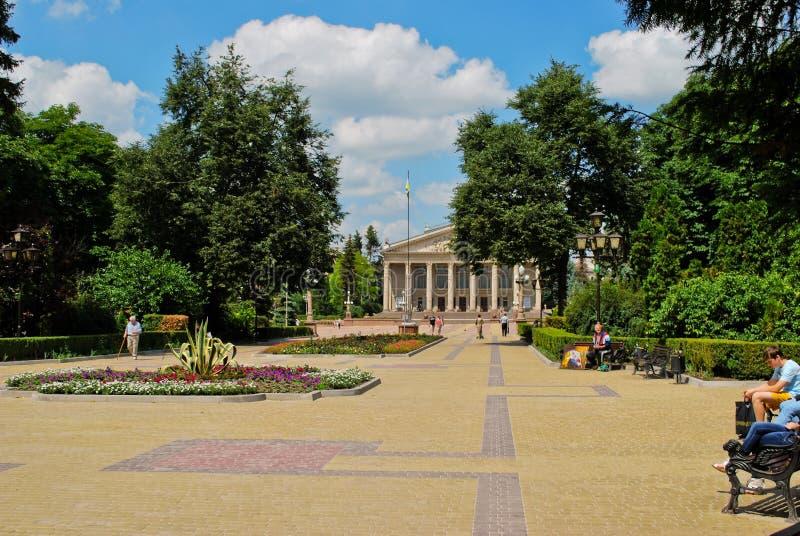 Quadrato in Ternopil, Ucraina del teatro fotografia stock