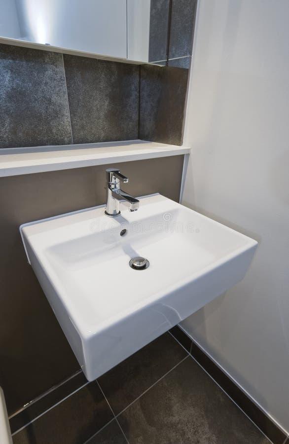 Quadri il lavabo della mano di figura immagine stock