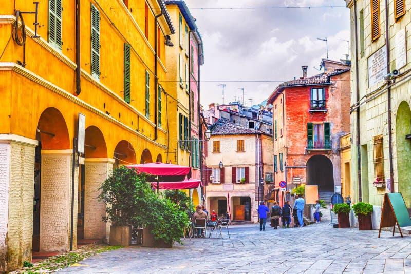 Quadri sotto la strada degli asini in Brisighella, Italia fotografia stock