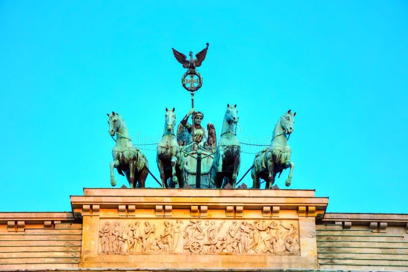 Quadriga na górze Brandenburger tor zdjęcie royalty free