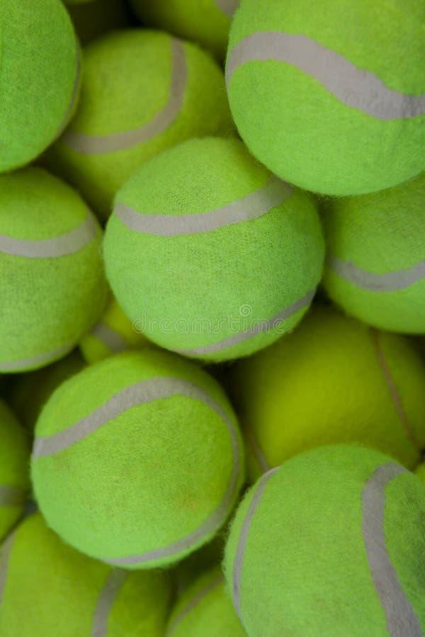 Quadro completo disparado de bolas de tênis foto de stock
