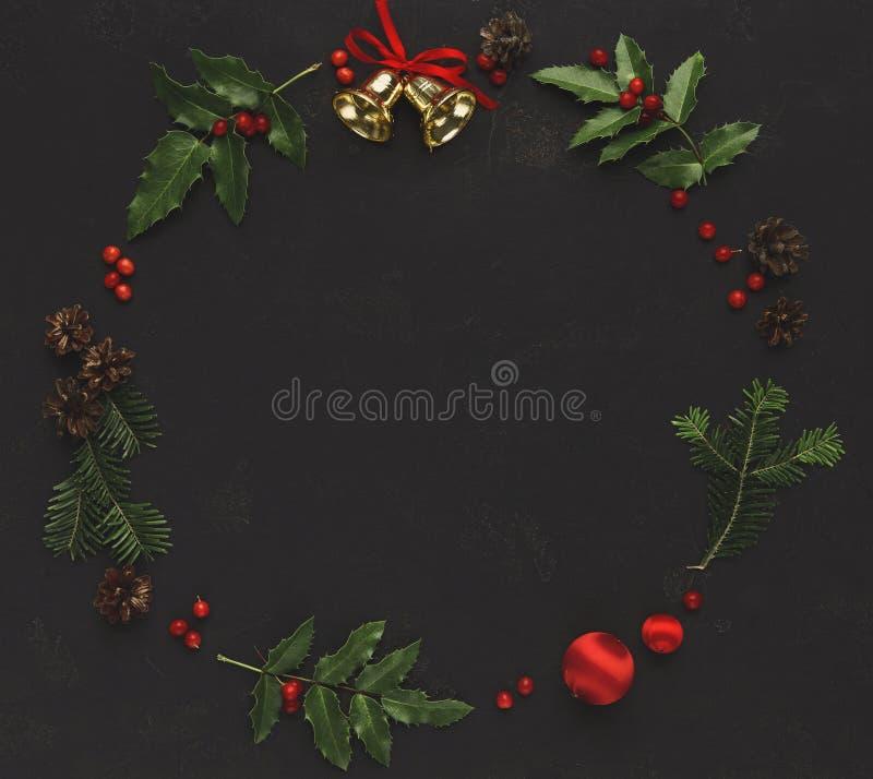 Quadro da decoração do Natal no fundo preto imagens de stock