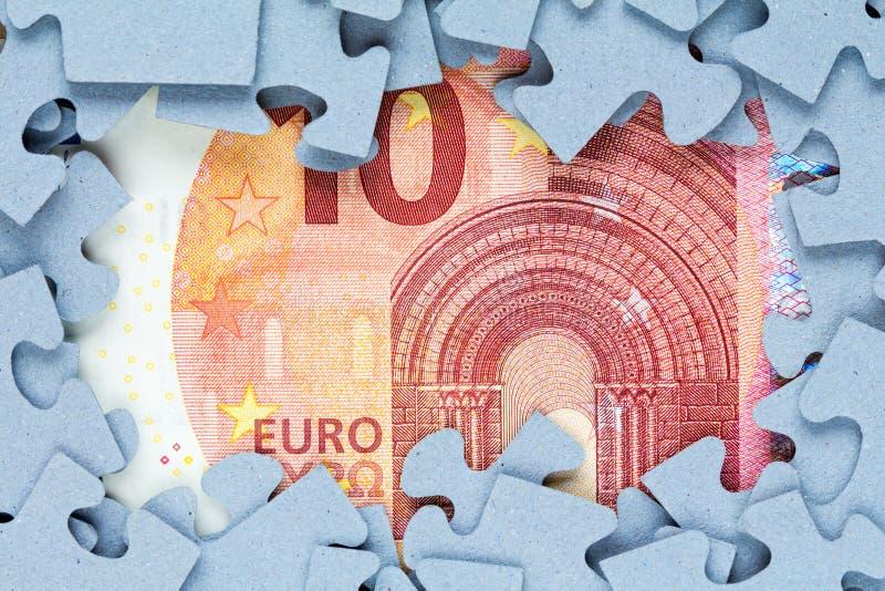 Quadro da serra de vaivém com conta do euro dez imagens de stock royalty free