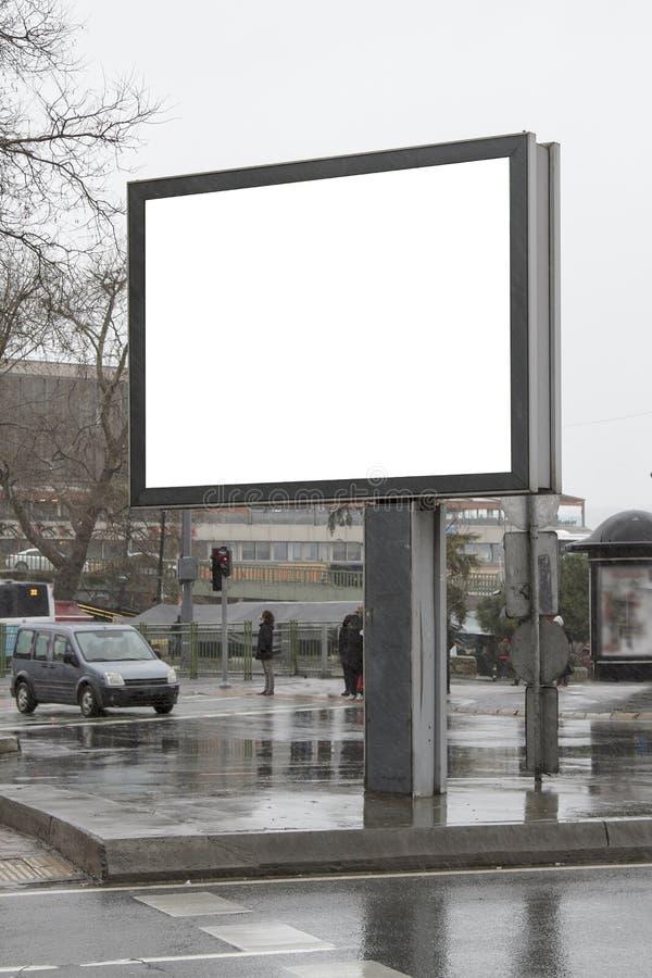 Quadro de avisos na rua no inverno fotos de stock