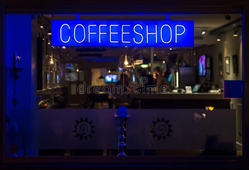 Quadro indicador de néon de Coffeeshop na noite fotografia de stock royalty free