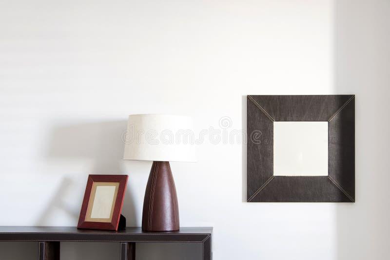 Quadro, lâmpada e espelho da foto foto de stock royalty free