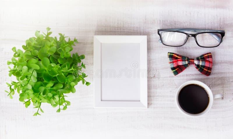 Quadro o fundo masculino do conceito de projeto do café do molde vazio fotografia de stock